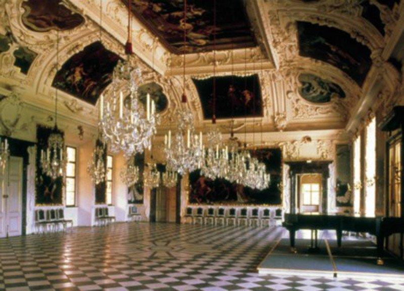 Schloss-Eggenberg-full