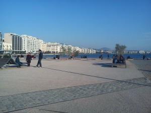 Χώρος συνάντησης με θέα την παραλία